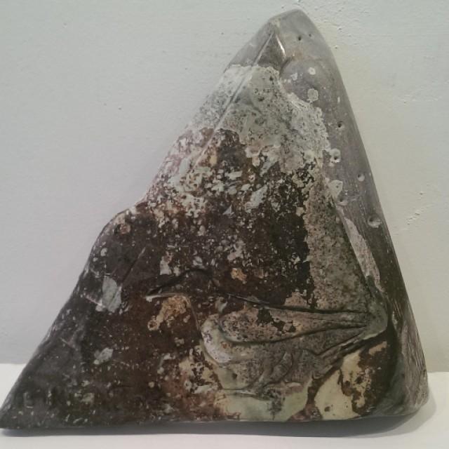 Pyramid Raven Stone