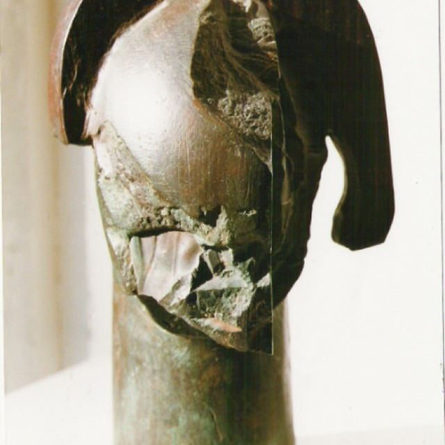 Head, 1990